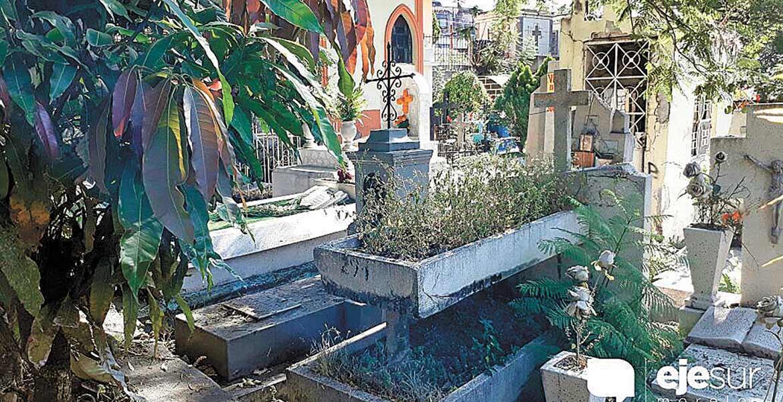Peligran difuntos: los pueden sacar de sus tumbas en Cuernavaca