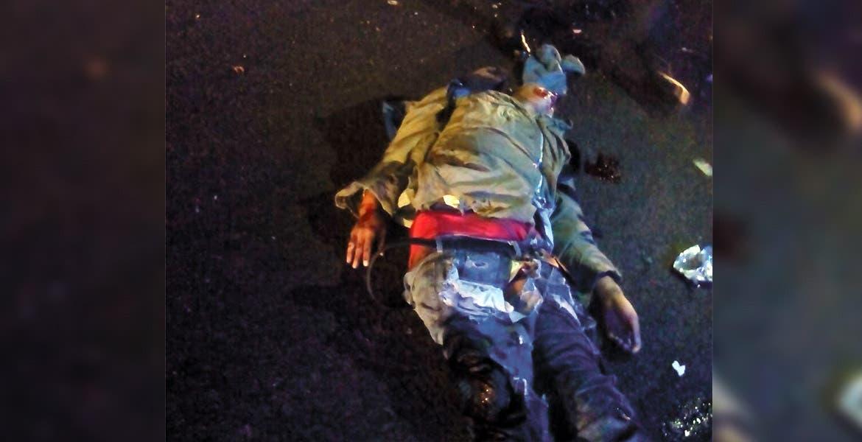 Percance. Un joven murió al salir proyectado de su moto, tras chocar contra una valla en la carretera Xochimilco-Oaxatepec.