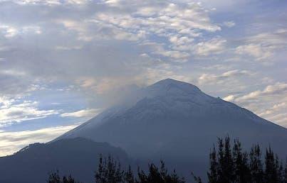 Emite recomendaciones PC ante aumento de actividad del volcán Popocatépetl