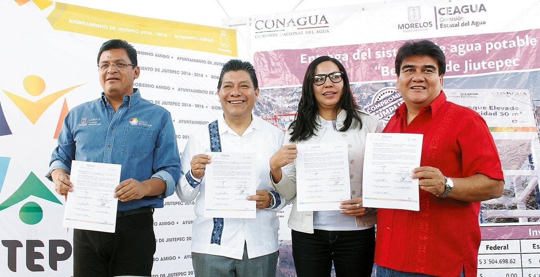 Firma. Autoridades de la Ceagua y de Jiutepec signaron acuerdo para más obras.