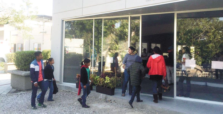 Rescate. El martes pasado, el DIF realizó un operativo para tomar bajo su custodia a todos los menores del albergue Amor para Compartir.