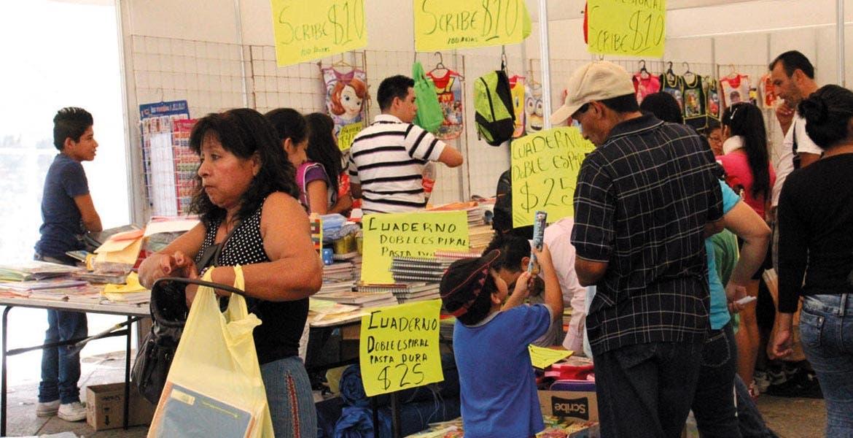 Preparativos. Los padres de familia podrán encontrar amplia variedad de precios para surtir la lista de útiles escolares.