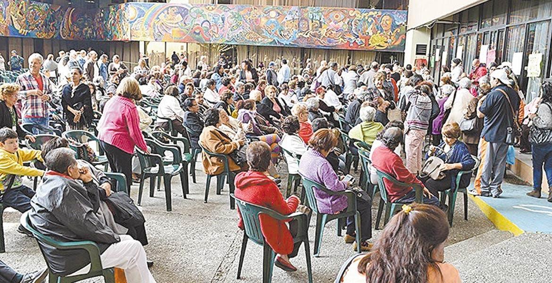 Paga IEBEM parte pendiente de aguinaldo a profesores de Morelos