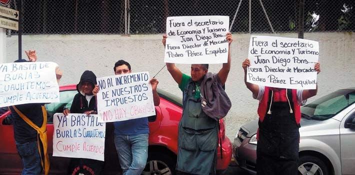 Amenaza. Comerciantes dijeron que si no se resuelven sus demandas, dejarán de pagar sus impuestos correspondientes.