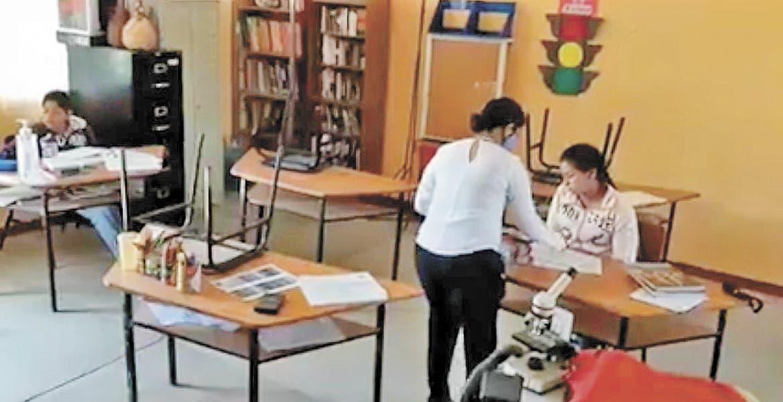 En Puente de Ixlta, regresan a las aulas por falta de internet
