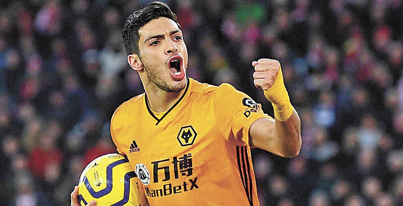 Raúl Jiménez pide pensar en grande para trascender en la Europa League