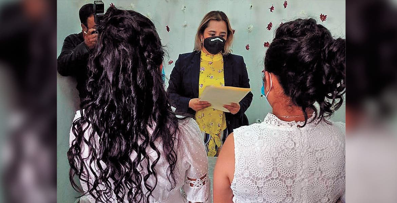 Realizan segunda boda igualitaria en Ayala