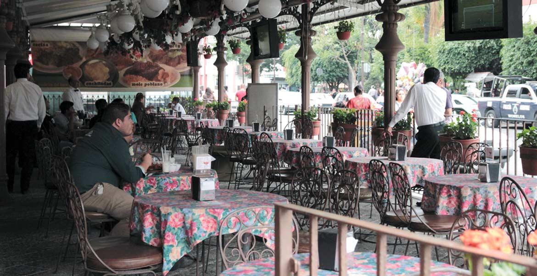 Afectación. Empresarios del sector restaurantero consideran difícil no aumentar los precios en sus cartas.