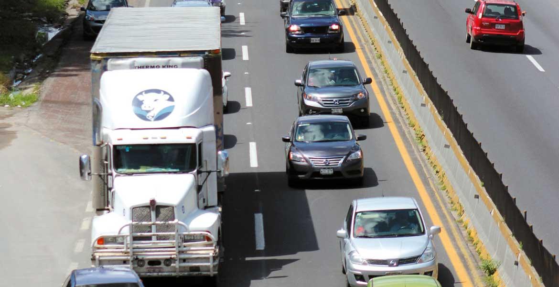 Seguridad. Autoridades federales firmaron un acuerdo mediante el cual se pondrá especial atención al transporte de carga, particularmente a los doble remolque.