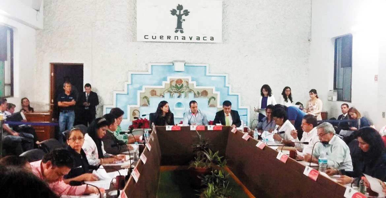 Sesión. Regidores reunidos ayer aprobaron el procedimiento para finiquitar el contrato otorgado a Promotora Ambiental S. A. de C. V., para el servicio de recolección de basura