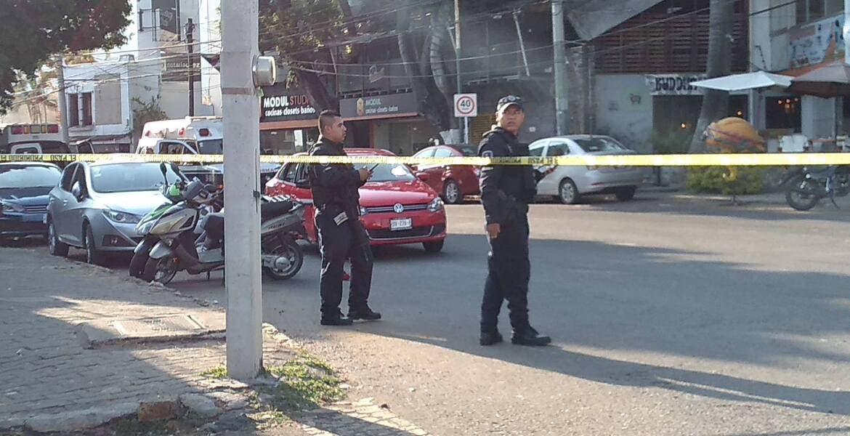 Identifican a sujeto asesinado en Cuernavaca; hija sufrió heridas por vidrios