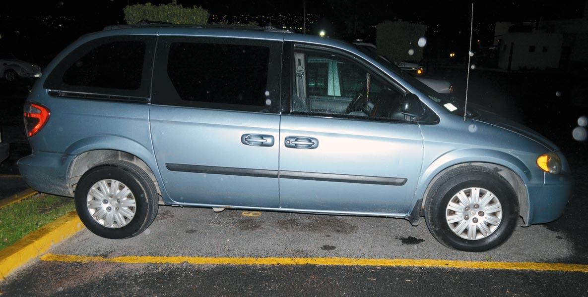 Operativo. Cinco sujetos fueron detenidos en una camioneta en la avenida Río Mayo, de la colonia Vista Hermosa, tras meterse a robar en una casa.