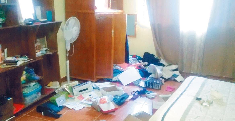 Atraco. Gladys dueña de la vivienda halló sus cosas en desorden y al revisar se percató que los ladrones se habían llevado varios aparatos electrodomésticos.