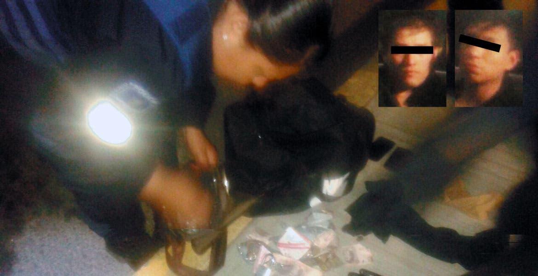 Decomiso. Dos maletas, una con herramienta y otra con 32 mil 239 pesos les fueron aseguradas a los jóvenes, cuando pretendían escapar tras el robo al restaurante.