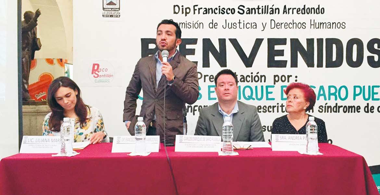 Justifican. El diputado Francisco Santillán refiere que en el Congreso no hay condiciones para emplear a personasc on discapacidad.