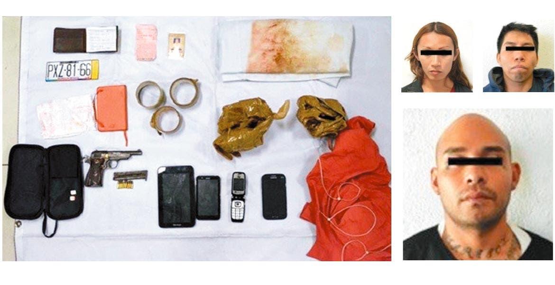 Una pistola calibre .22 milímetros abastecida, tres celulares, cuatro chips telefónicos, una tableta electrónica,y una hoja con los teléfonos les aseguraron.