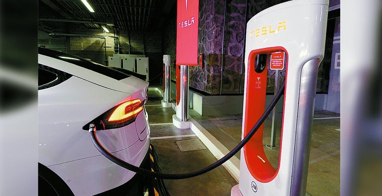 Tecnología sustentable. La empresa de autos eléctricos busca generar un corredor de estaciones de carga de la Ciudad de México a Cuernavaca.