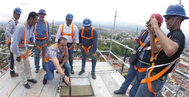 Trabajos. Desde hace 60 años no se daba mantenimiento a la nave principal, dijeron al alcalde Cuauhtémoc Blanco