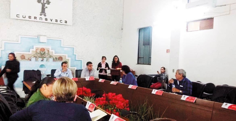 Una más. Por tercera ocasión consecutiva se suspendió la sesión de cabildo del ayuntamiento de Cuernavaca, tras retirarse nueve regidores porque el edil llegó tarde.