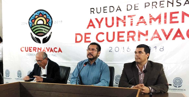 Motivos. Los secretarios de Asuntos Jurídicos y de Desarrollo Sustentable, José de Jesús Guizar Nájera y Eduardo Molina Avilés, respectivamente, dieron a conocer los motivos de suspensión de obras del gobierno estatal.