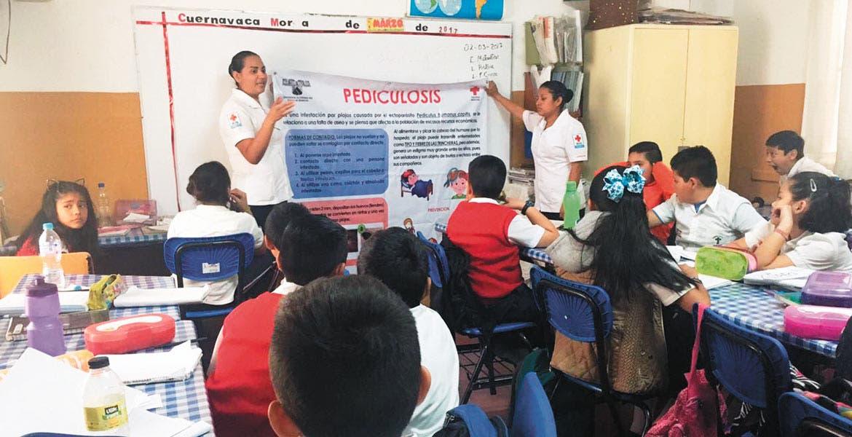 Instruyen. Niños de la escuela 'Benito Juárez' del Centro de Cuernavaca recibieron el taller '6 Acciones para Salvar una Vida'.