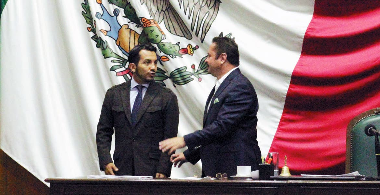 Exhorto. El diputado Francisco Santillán promovió el llamado en defensa de los contribuyentes de Cuernavaca.