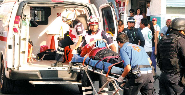 Herido. El taxista quedó con un brazo destrozado, luego de la agresión recibida por parte del pasajero.