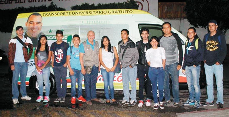 Apoyo. Estas es la unidad de transporte para los estudiantes que acuden a estudiar al Instituto Tecnológico de Zacatepec.