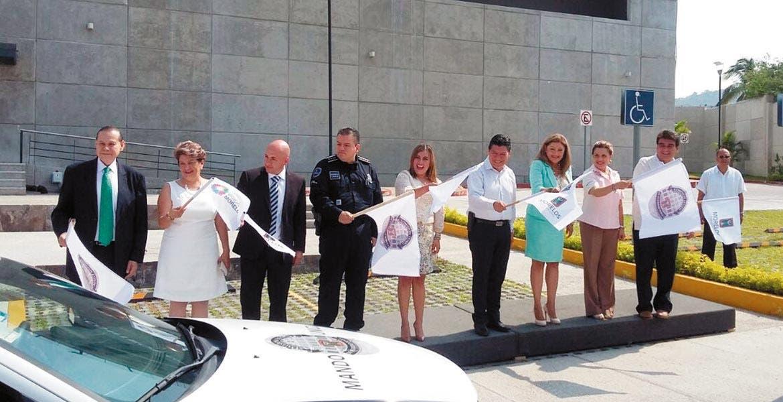 Arranque. Autoridades dieron el banderazo de inicio de la Unidad Especializada en Atención a Mujeres Víctimas de Violencia Doméstica.