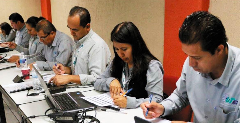 Avanzan. Comunidad UTEZ busca la certificación de la Norma Oficial Mexicana de inclusión laboral y no discriminación, ya que han logrado que el sexo, edad o discapacidad no representen obstáculos.