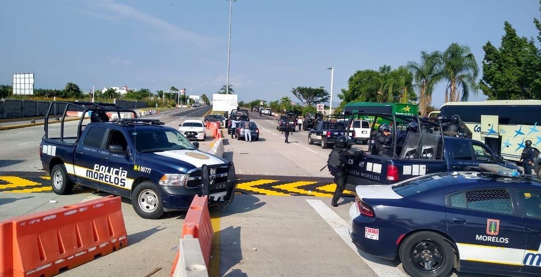 Detiene Policía Morelos a 78 vándalos que tomaban casetas y agredían a automovilistas