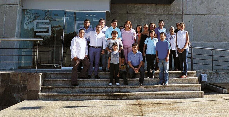 Recorrido. Autoridades auxiliares, colonos e integrantes del Consejo de Participación Social acompañaron en la visita al C5 al secretario de Gobierno, Matías Quiroz Medina