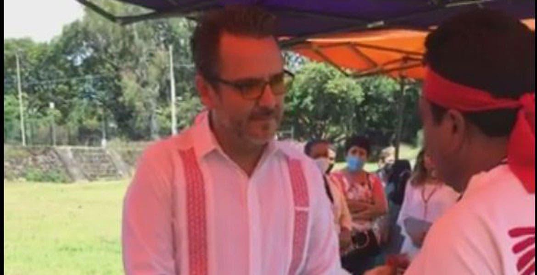Recibe el alcalde Antonio Villalobos puesto indígena en las pirámides de Tepanzolco