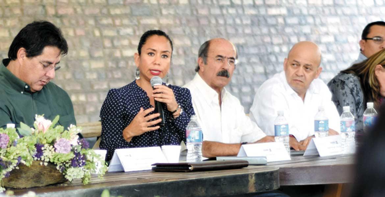 Reunión. Estuvieron presentes, autoridades de Ceagua, Sedeso, Sedesol y Gobernación.