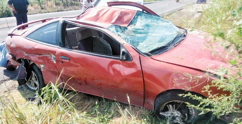 Accidente. Un sujeto resultó lesionado al volcar su auto en el poblado de San Carlos