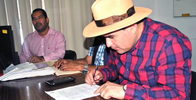 El trato. El edil Agustín Alonso Gutiérrez adquirió el predio de las instalaciones del CDY.