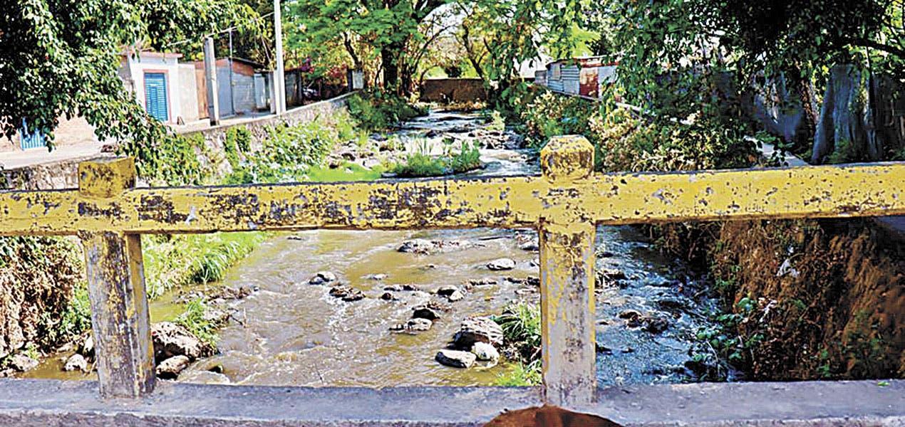 Piden no tirar basura a ríos y barrancas