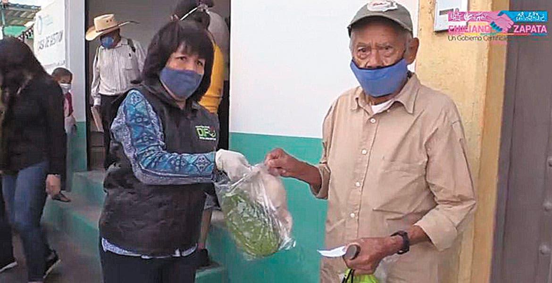 Dan apoyo alimentario en Emiliano Zapata