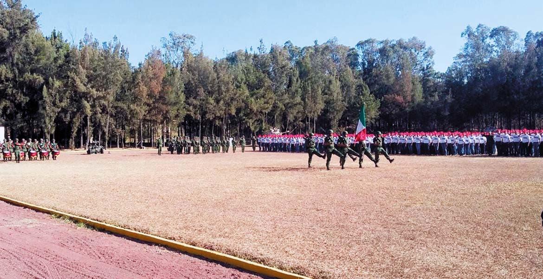 Zona Militar. La mañana de ayer autoridades militares y civiles encabezaron la Ceremonia de Bienvenida a la Clase 1998.