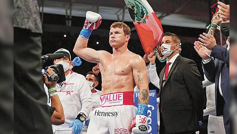 El mexicano Saúl 'Canelo' Álvarez defiendó los títulos mundiales de peso súper mediano del CMB y AMB