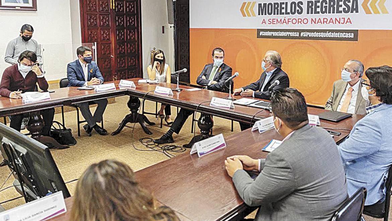 En reunión. jAutoridades estatales, encabezadas por Pablo Ojeda, Luis Arturo Cornejo y Mónica Boggio, junto con el rector Gustavo Urquiza revisaron los pasos a seguir para la gestión de recursos.