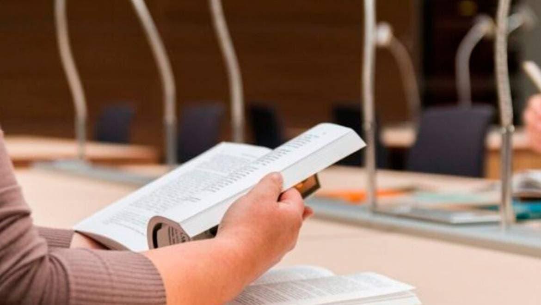 Disminuye lectura de libros impresos pero aumenta en el formato digital