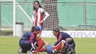 Estudió medicina deportiva y hoy es la doctora del equipo femenil del Guadalajara 2