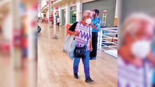 Clientes toman conciencia en Morelos y llevan sus propias bolsas