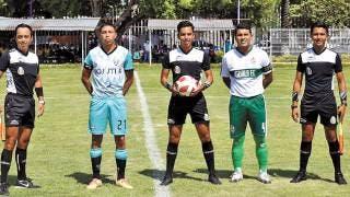 Debuta Mauricio como árbitro central 2