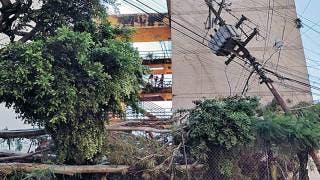 Provocan lluvias daños a edificio 2