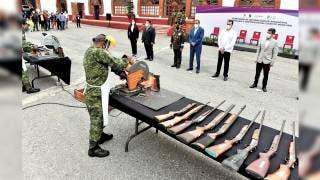 Destruye Sedena armas aseguradas