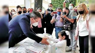 Encabeza Rafael Reyes entrega de paquetes escolares en Jiutepec 2