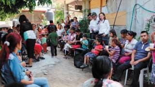 Visita Ana Bertha Haro a vecinos de Yecapixtla