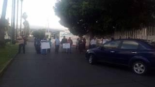 Bloquean colonos calle Vicente Guerrero; piden reactivar energía en pozos de SAPAC 2
